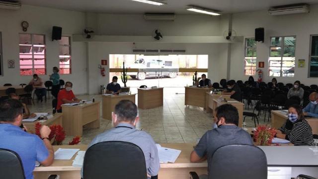 Manobra política, parte dos vereadores REJEITA transparência em gastos nas contas da prefeitura