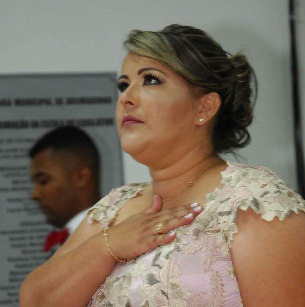 Pedido de cassação da vereadora Alessandra do Brumado é protocolado na Câmara