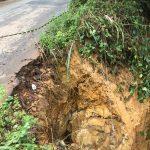 Cratera coloca em risco estrada entre Marques e Palhano
