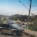 Carro bate em poste na MG 040 em Brumadinho